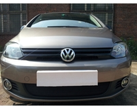 Защита радиатора для автомобиля Volkswagen Golf Plus 2009- black. ZR.VW.G+.09.b